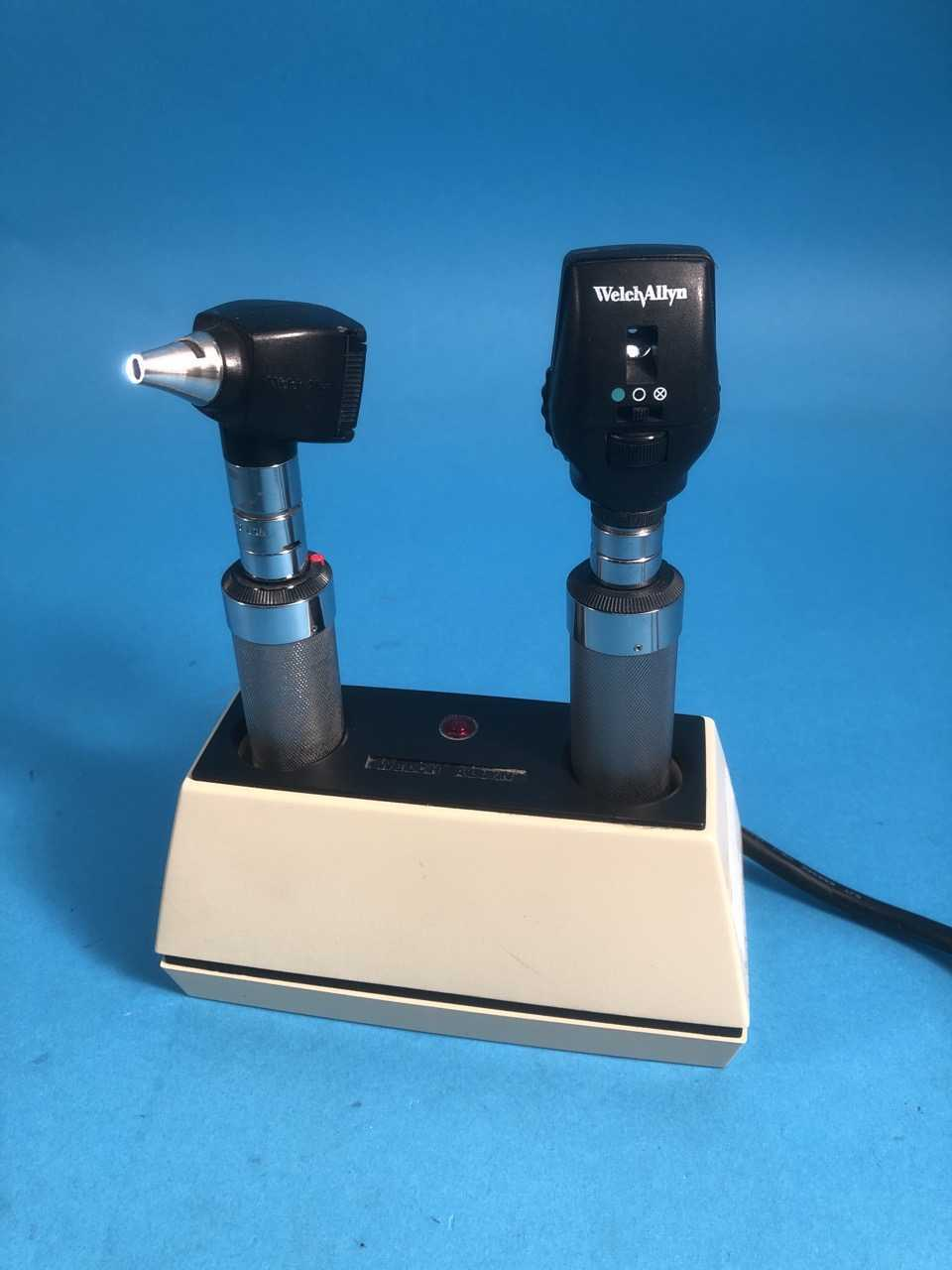 Endoscopy Room Set Up: Welch Allyn 71110 Portable Oto/Opthalmoscope Set